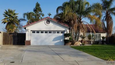 Bakersfield Single Family Home For Sale: 12101 Flat Iron Court