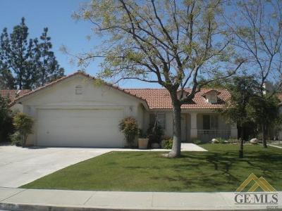 Bakersfield Single Family Home For Sale: 5815 Canoe Court