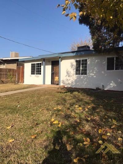 Bakersfield CA Single Family Home For Sale: $132,900
