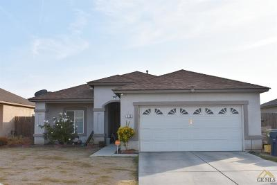 Delano Single Family Home For Sale: 120 Avenida Ruiz