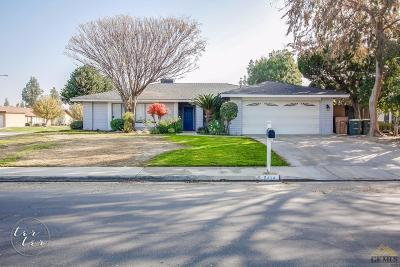 Bakersfield Single Family Home For Sale: 2414 Pinon Springs Circle