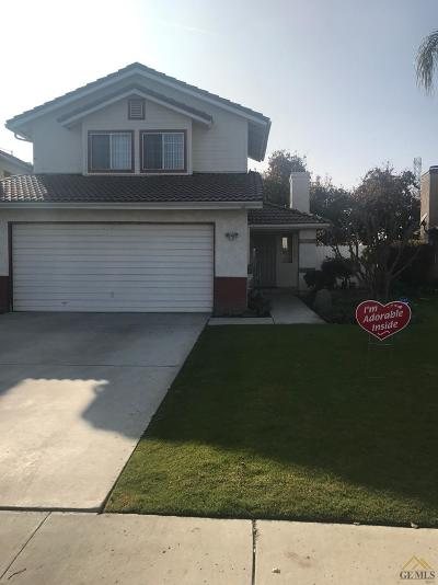 Bakersfield CA Single Family Home For Sale: $204,000