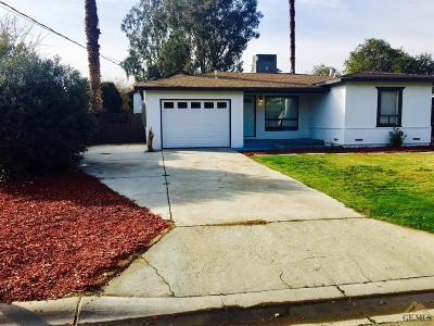 Bakersfield CA Single Family Home For Sale: $235,000