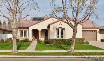 Bakersfield Single Family Home For Sale: 12112 Parkerhill Drive
