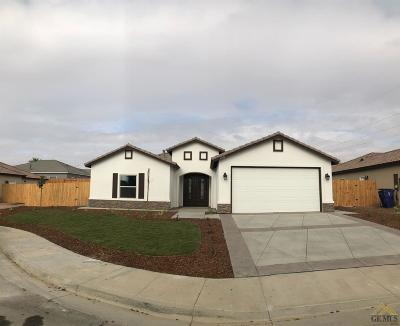 Bakersfield Single Family Home For Sale: 6106 Cozy Court
