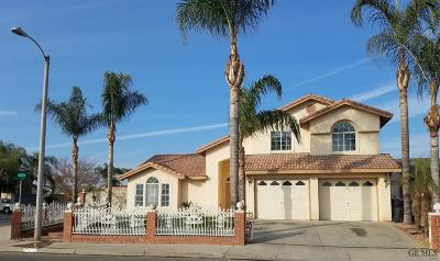 Delano Single Family Home For Sale: 427 Manzanita Drive