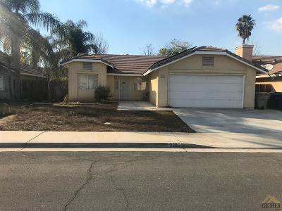 Single Family Home For Sale: 3205 Chuckwagon Street