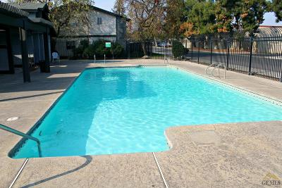 Bakersfield Single Family Home For Sale: 4701 Beechwood Street #62