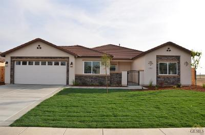 Bakersfield CA Single Family Home For Sale: $327,490