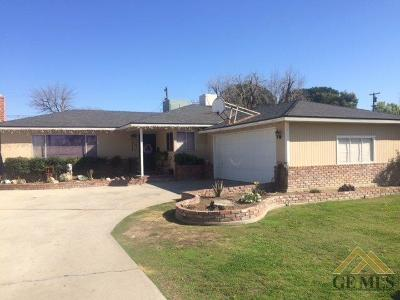 Wasco Single Family Home Active-Contingent: 1126 Cypress Avenue