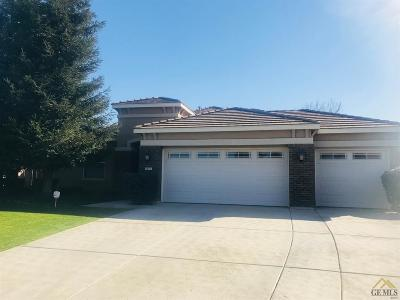 Bakersfield CA Single Family Home For Sale: $279,950