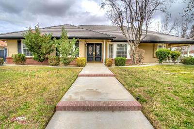 Bakersfield Single Family Home For Sale: 13904 Cedar Creek Avenue