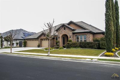 Bakersfield Single Family Home For Sale: 6006 Dartmoor Wood Avenue