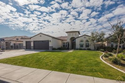 Bakersfield Single Family Home For Sale: 14713 Pams Way
