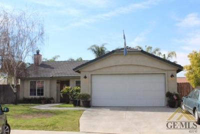 Bakersfield Single Family Home For Sale: 4111 Sierra Redwood Drive