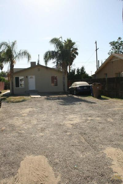 Bakersfield CA Single Family Home For Sale: $109,999