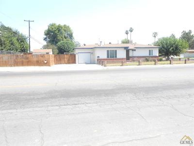 Bakersfield CA Single Family Home For Sale: $124,900