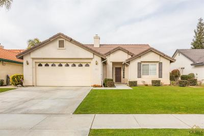Bakersfield CA Single Family Home For Sale: $294,900