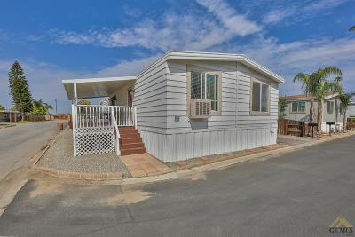 Bakersfield Manufactured Home For Sale: 225 Vivian Lane