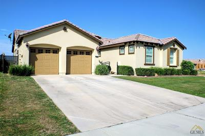 Bakersfield Single Family Home For Sale: 5216 Gossimer Drive