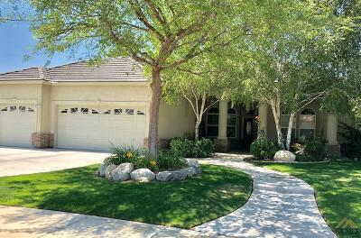 Bakersfield Single Family Home For Sale: 8509 Nine Iron Drive