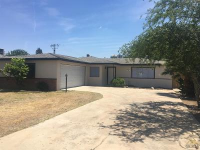Bakersfield Single Family Home For Sale: 10405 Holland Street