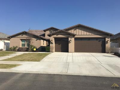 Bakersfield Single Family Home For Sale: 2926 Mandalay Place