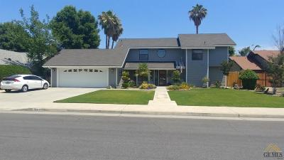 Bakersfield Single Family Home For Sale: 3412 Dovewood Street
