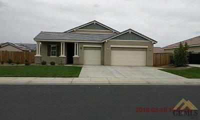 Bakersfield Single Family Home For Sale: 15722 Carparzo Drive