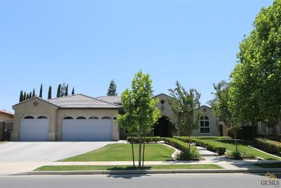 Bakersfield Single Family Home For Sale: 2214 Ribble Valley Drive