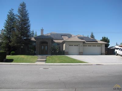 Bakersfield Single Family Home For Sale: 15558 Screaming Eagle Avenue