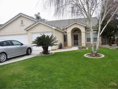 Bakersfield CA Single Family Home For Sale: $274,000
