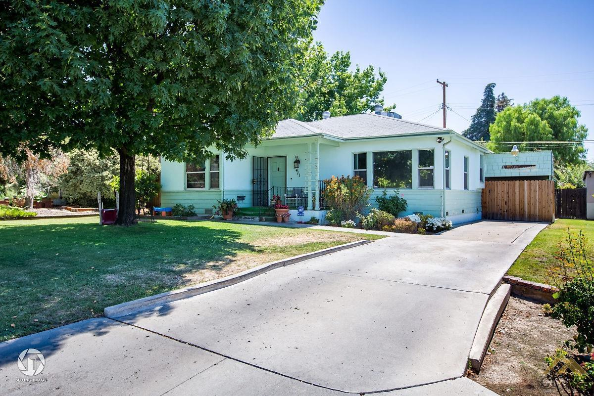 3 bed / 2 baths Home in Bakersfield for $215,000