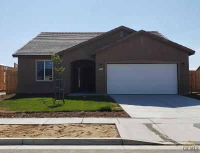 Wasco Single Family Home For Sale: 305 Sweetgum Court