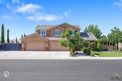 Bakersfield Single Family Home For Sale: 15606 Montalone Place