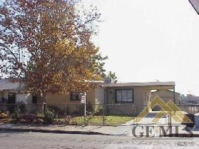 Bakersfield Single Family Home For Sale: 2419 Center Street
