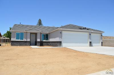 Bakersfield CA Single Family Home For Sale: $318,990