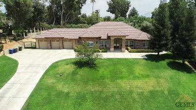 Bakersfield Single Family Home For Sale: 3515 Claremont Drive