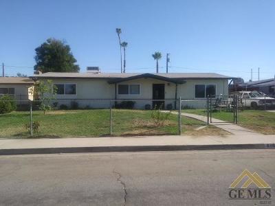 Bakersfield Single Family Home For Sale: 616 Andrea Avenue