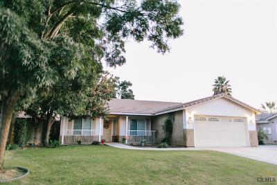Bakersfield CA Single Family Home For Sale: $262,000