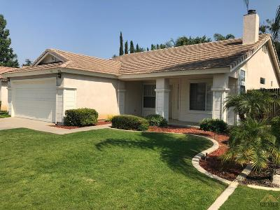 Bakersfield Single Family Home For Sale: 9126 Jenna Kathryn Drive