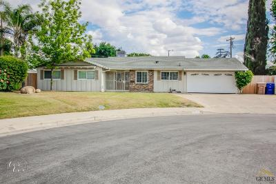 Bakersfield Single Family Home For Sale: 3001 Peach Tree Court