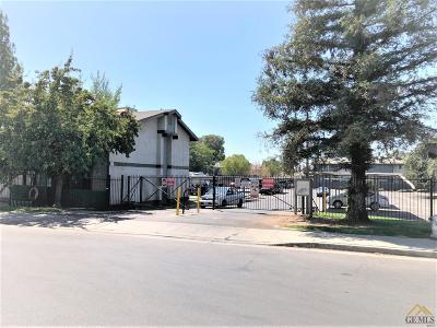 Bakersfield Single Family Home Active-Contingent: 4701 Beechwood Street #140