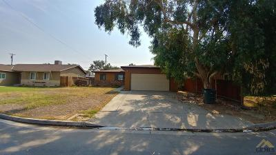 Bakersfield Single Family Home For Sale: 104 Suzanne Street