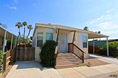 Bakersfield Manufactured Home For Sale: 48 Cedarwood Lane