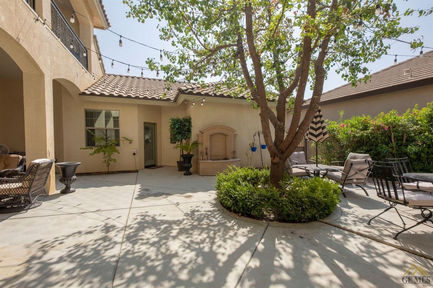 5 bed / 4 baths Home in Bakersfield for $499,900