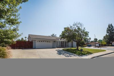 Bakersfield Single Family Home For Sale: 2004 Glenmont Drive