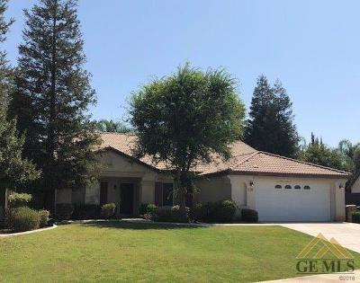 Bakersfield Single Family Home For Sale: 306 Pine Falls Drive
