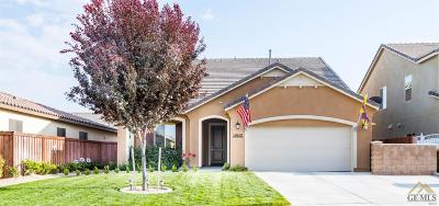 Bakersfield Single Family Home For Sale: 10413 Sirretta Peak Place