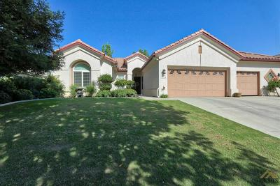 Bakersfield Single Family Home For Sale: 10300 Dutch Iris Drive